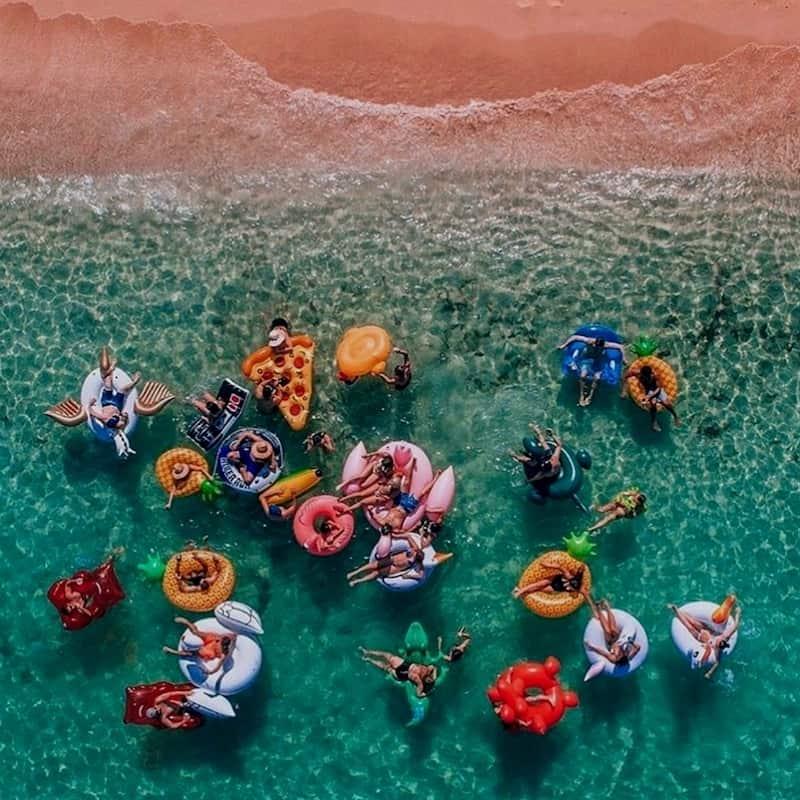 Море, пляж, волны