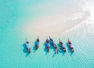 Море, пляж, лодки